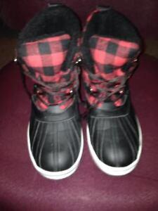 Red & Black Plaid Alpinetek Winter Boots Reduced
