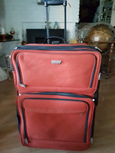 Large Samsonite pull-along