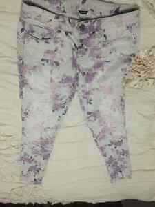 Floral American Eagle Jeans