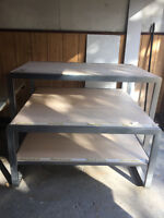 3 STAGE TABLE SET