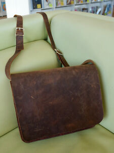 Handmade leather messenger bag with a vintage/rustic look (new)
