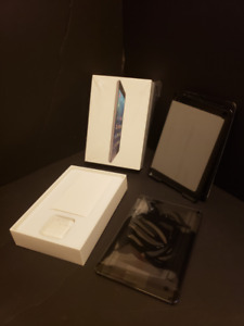 iPad Mini 2  LIKE NEW ! With BOX (and CASE)  Free Delivery