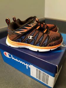 Champion Size 6 Runners - LIKE NEW