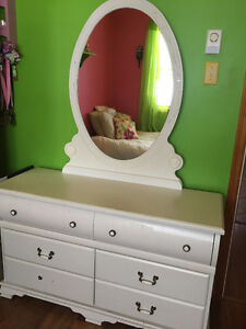 Girl's White Bedroom Furniture