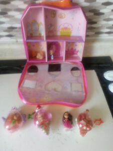 5 Tiny Princess dolls in Cases