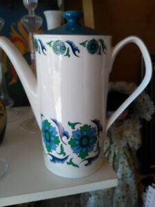 Crown Regent tea pot