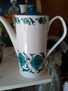 Crown Regent tea pot