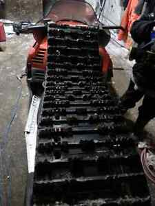02 zl800efi part out two 121 tracks two sets of plastic skies