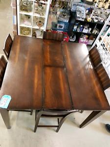 Table set @HFHGTA Restore Etobicoke D-013
