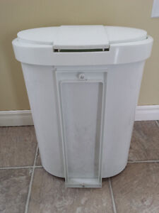 Wet Garbage Can