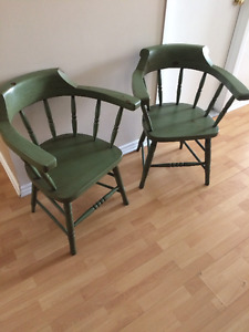 2 Chaises – 100% bois (40$ NEGO) / 2 Chairs – 100% wood (40$ NEG