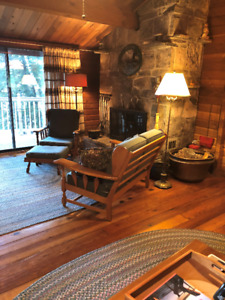 Beautiful chalet waterfront cottage for rent on Lake Cecebe