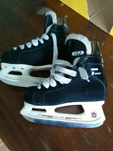 Youth size 10 CCM Tacks