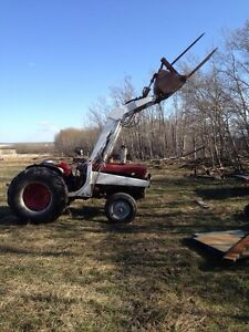 International Harvester with 6 attachments