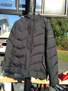 WOMEN'S SIZE SMALL Columbia COAT