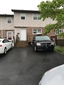 3 Bed, 2 Bath, Townhouse in Dartmouth Avail Mid Aug - Sept 1st