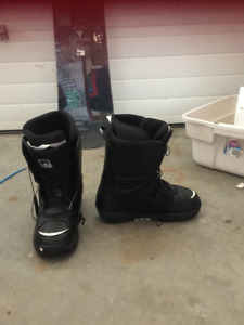 New size 11 snow board boots worn three times