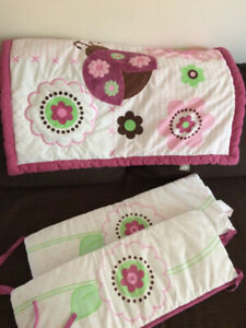 DEAL! 6 pieces crib set + BARELY USED Swaddle Me