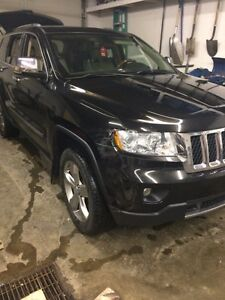 REDUCED! 2011 Jeep Grand Cherokee Overland