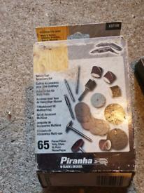 Rotary tool accessory set
