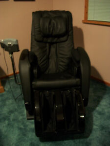 Massage Chair with every feature including music and heat