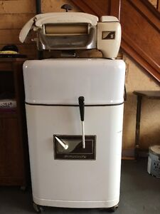 Antique Washer For Sale (Clarenville Area)