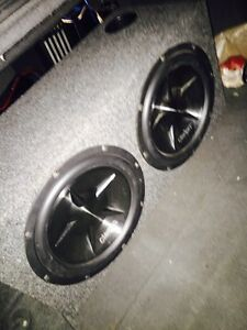 ^^** CLARION SUBS IN BOX EITH MATCHING AMP