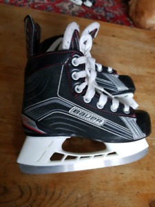 Like New Bauer Vapor X200 size Y13