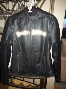 **  New Harley Ladies Leather Jacket **  Size Large!