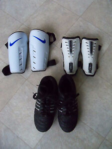 Children's Athletic Works Soccer Cleats - Size 4