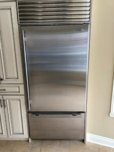 SubZero built-in stainless steel refrigerator - Like New