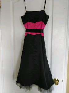 Semi formal dress - Size 2