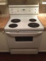 LIKE NEW Oven FOR SALE