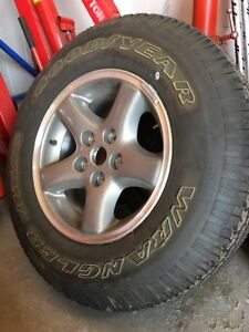 225 75 15 jeep tire with rim