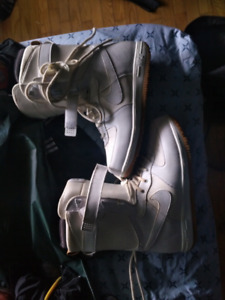 Nike zoom air snowboard boots size 11 mens