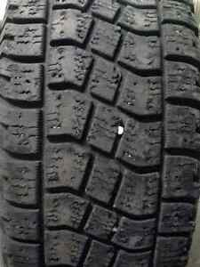 LT275/65R20 AVALANCHE X-TREME WINTER TIRE, one only