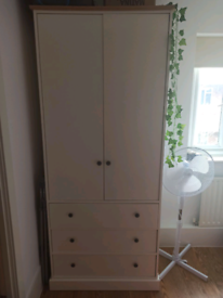 Wardrobe - Very good condition - Clearance