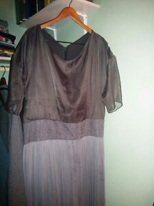 Pluse size gray dress, gown size 18-20 London Ontario image 2