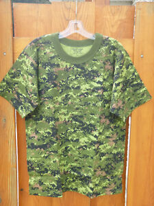 T-shirts militaires