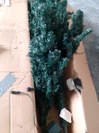 Green 6ft tree