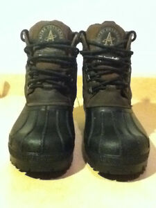 Men's Altra Outdoors Winter Boots Size 8 London Ontario image 5