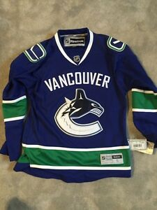 Brand new Vancouver Canucks jersey never been worn