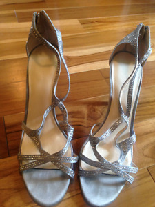 Size 9 women's shoes worn only once
