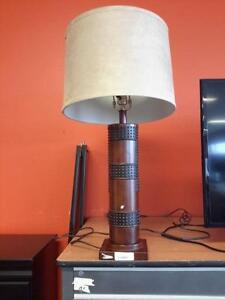 *** USED *** ASHLEY ORIEL LAMP (2/CN)   S/N:51191700   #STORE222