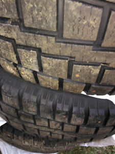 215/70/R16 Cooper discoverer m+s studded snow tires