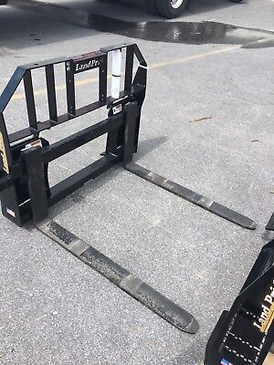 Land Pride Pfl2042 Quick Attach 2100 Lb Capacity Easy Adjustable Pallet Forks.