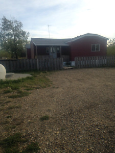 Mobile Home For Rent on Acreage between Grimshaw and Peace River
