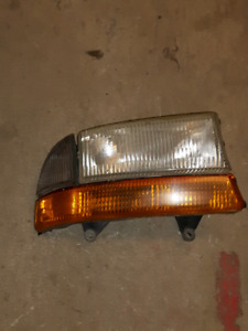 98-04 DODGE DAKOTA RH HEADLAMP ASSY.EXC SHAPE.$10