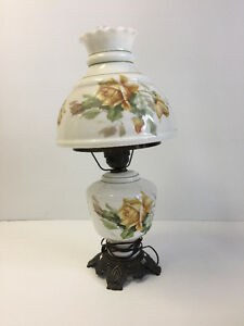 GORGEOUS VINTAGE LAMP - By GOODS4YOU Peterborough Peterborough Area image 1