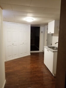 2 bedroom and 1 den suite available for rent from 01 November